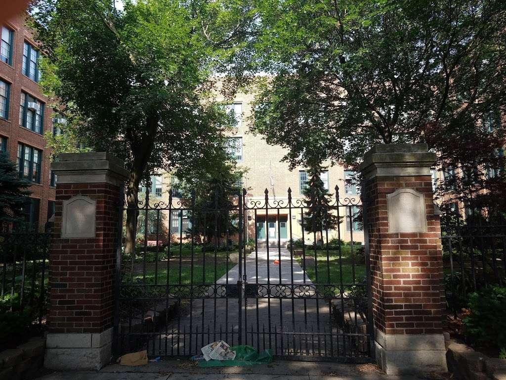 William H. Wells Community Academy High School - school  | Photo 3 of 10 | Address: 936 N Ashland Ave, Chicago, IL 60622, USA | Phone: (773) 534-7010