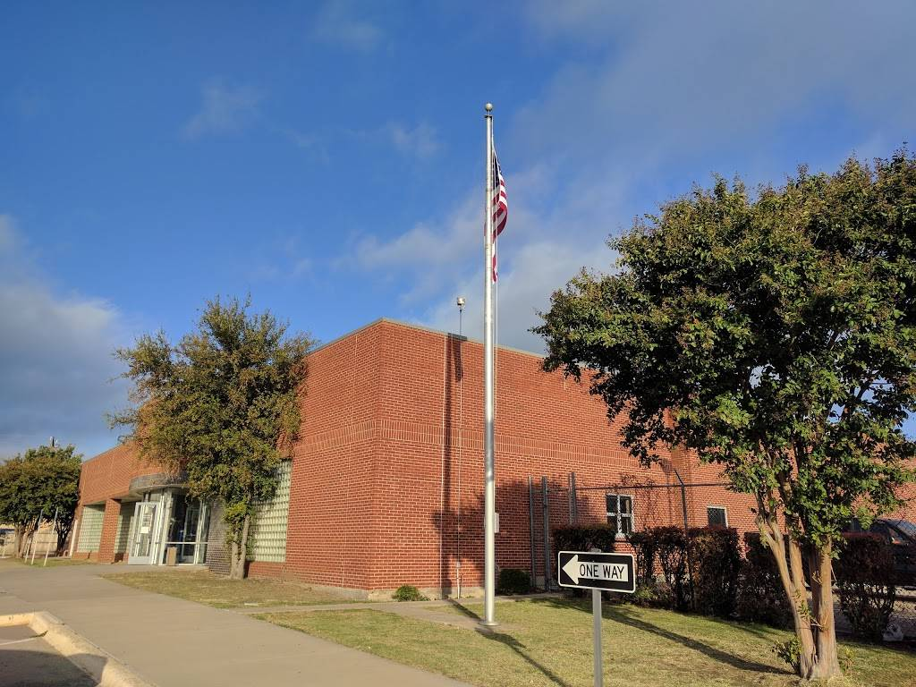 United States Postal Service - post office    Photo 2 of 8   Address: 2901 W Parker Rd, Plano, TX 75023, USA   Phone: (800) 275-8777