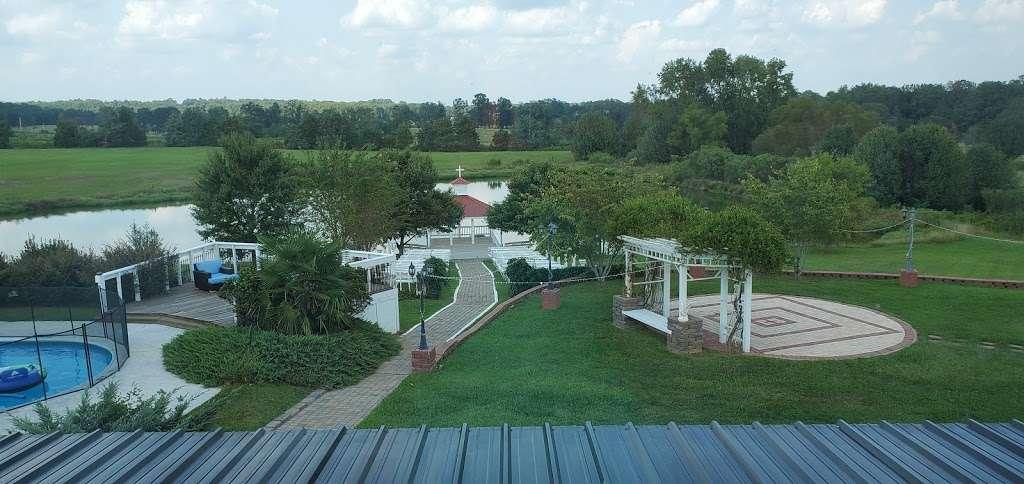 Laurel Haven Estate - lodging  | Photo 4 of 17 | Address: 3341 Taxahaw Rd, Lancaster, SC 29720, USA | Phone: (803) 203-7565