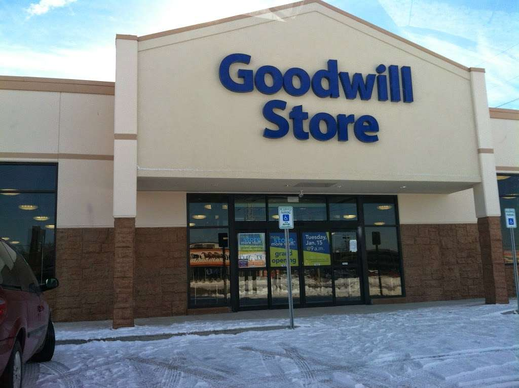 Goodwill Store - furniture store  | Photo 3 of 10 | Address: 10499 E Washington St, Indianapolis, IN 46229, USA | Phone: (317) 898-3129
