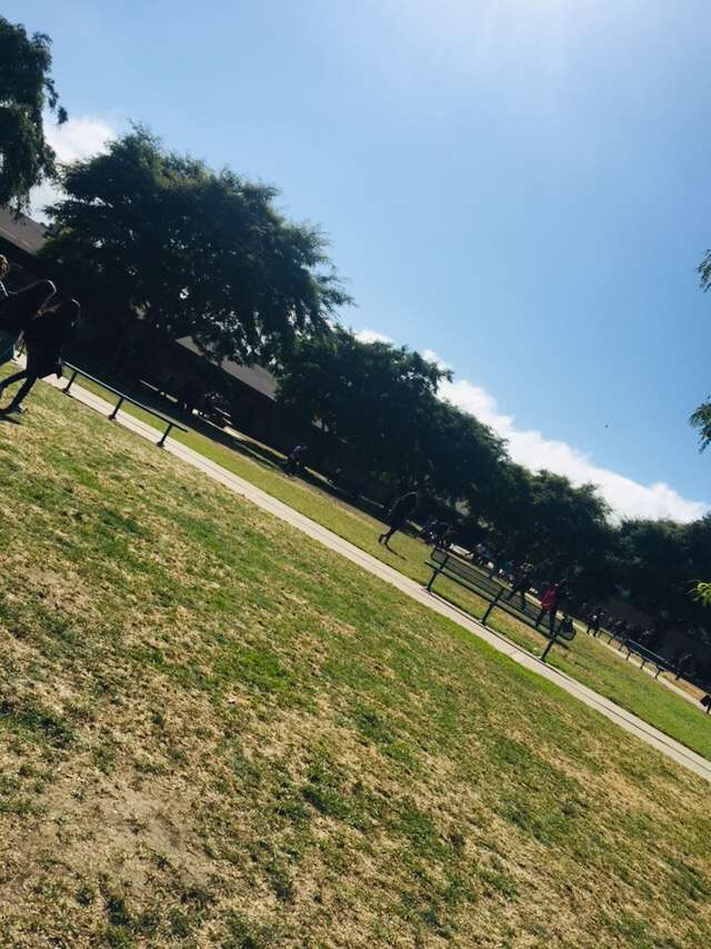 De Anza DATA Middle School - school  | Photo 6 of 8 | Address: 2060 Cameron St, Ventura, CA 93001, USA | Phone: (805) 641-5165