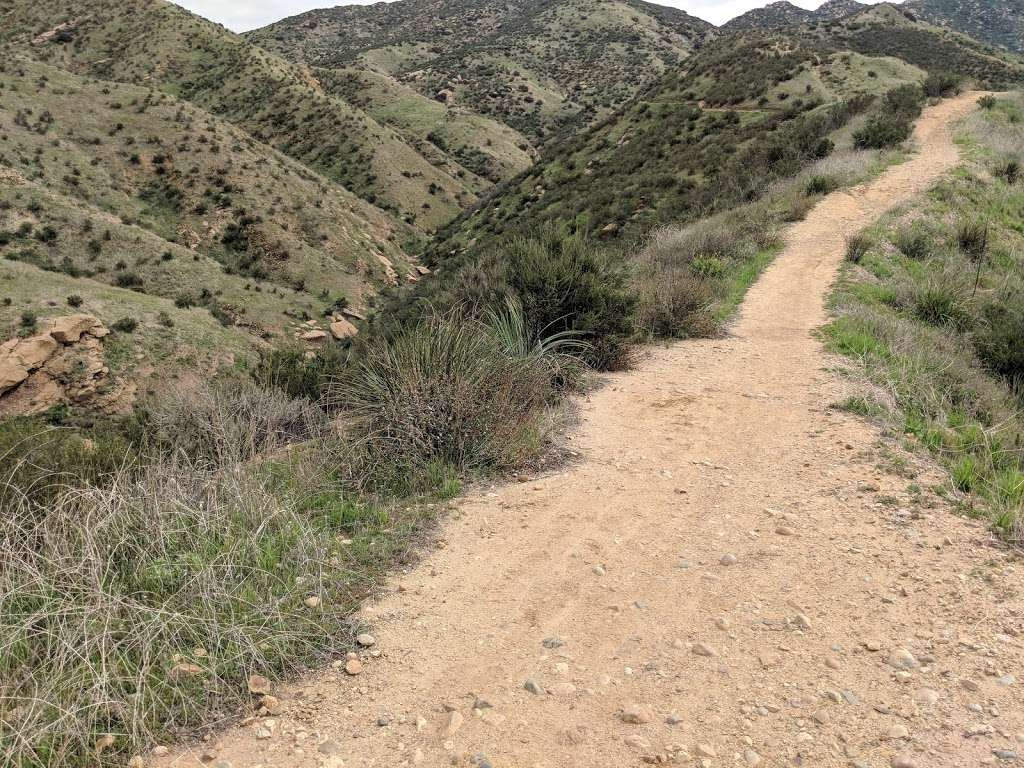Hummingbird Trail - park  | Photo 1 of 10 | Address: 2954-2980 Kuehner Dr, Simi Valley, CA 93063, USA