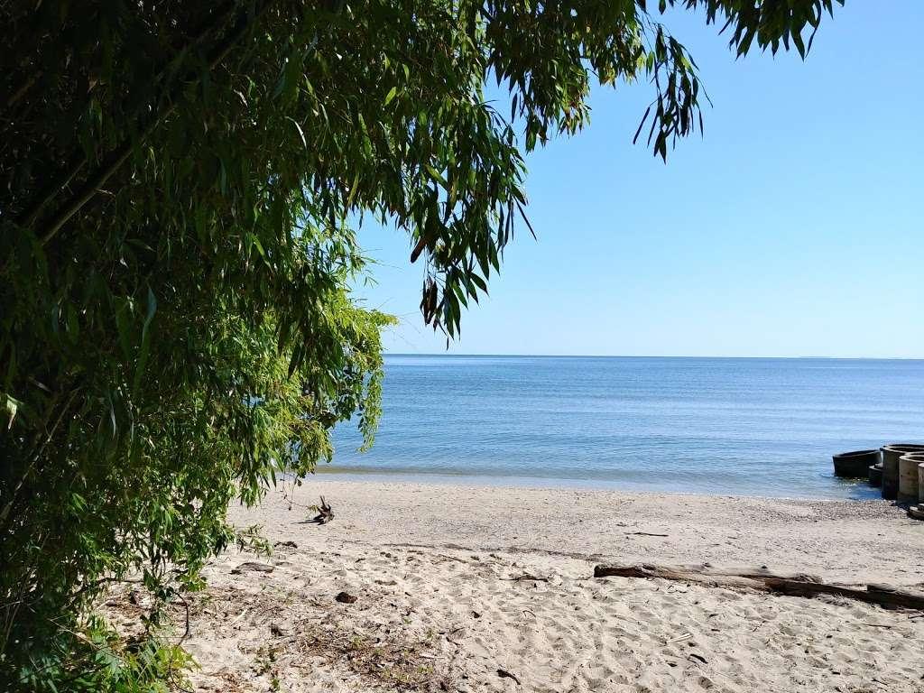 Matoaka Beach Cabins - real estate agency  | Photo 9 of 10 | Address: 4510 Matoaka Ln, St Leonard, MD 20685, USA | Phone: (410) 586-0269