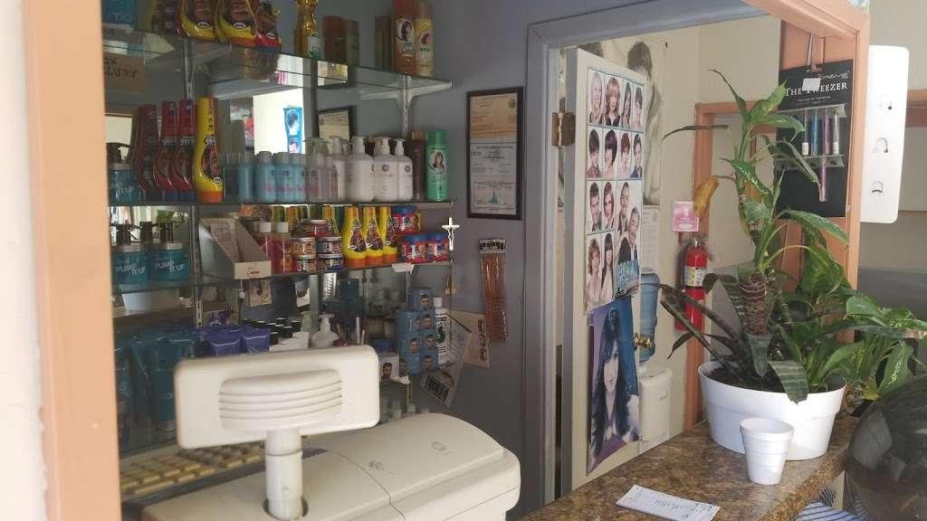 La Cachanilla - hair care  | Photo 2 of 4 | Address: 1331 W Carson St, Torrance, CA 90501, USA | Phone: (310) 533-8425