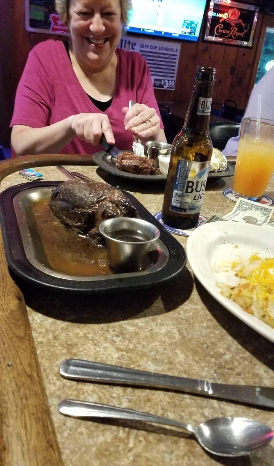 Whippoorwill Hawks Nest - restaurant  | Photo 4 of 10 | Address: 7914 WI-19, Dane, WI 53529, USA | Phone: (608) 798-9991
