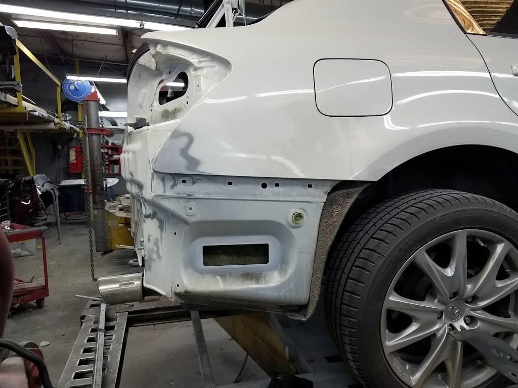 rj & g collision & automotive repair - car repair    Photo 10 of 10   Address: Hillsborough Bldg, 6215 Hillsborough St, Raleigh, NC 27606, USA   Phone: (919) 851-2411