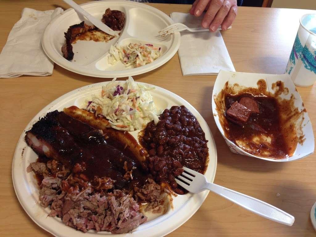 Pack Jack Barbecue - restaurant    Photo 8 of 10   Address: 3963 Gravenstein Hwy S, Sebastopol, CA 95472, USA   Phone: (707) 827-3665