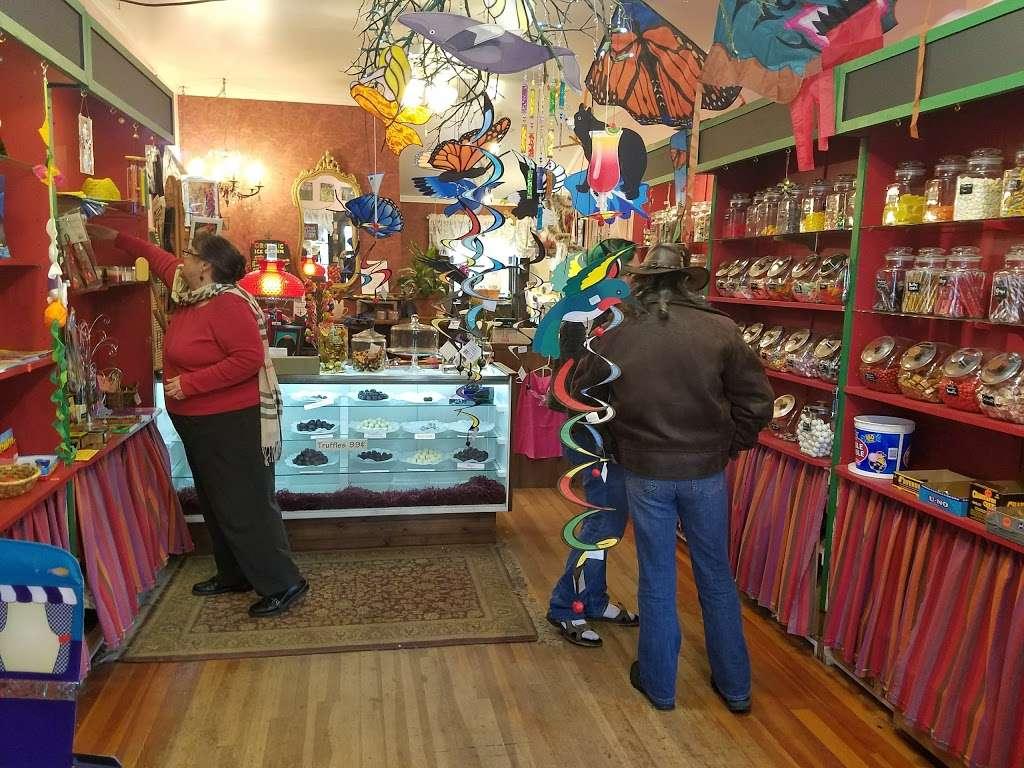 Gold Coast Coffee & Bakery - bakery  | Photo 6 of 10 | Address: 23577 Steelhead Blvd, Duncans Mills, CA 95430, USA | Phone: (707) 865-1441