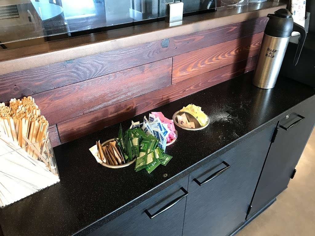 Starbucks - cafe    Photo 4 of 5   Address: 4001 S Inglewood Ave, Redondo Beach, CA 90278, USA   Phone: (310) 349-0860
