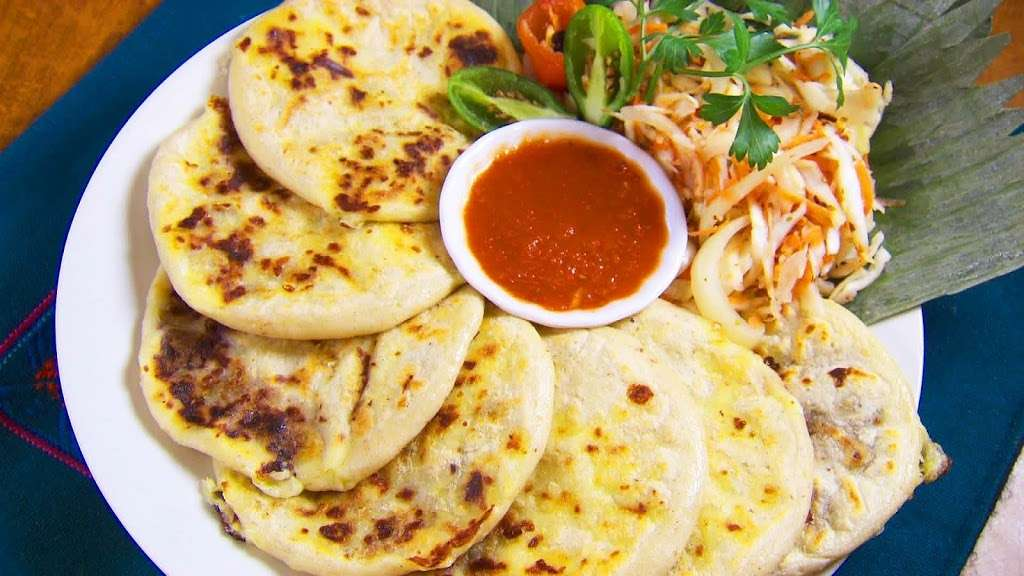 La Aurora Restaurant - restaurant  | Photo 3 of 10 | Address: 3023 Davie Blvd, Fort Lauderdale, FL 33312, USA | Phone: (954) 584-3933