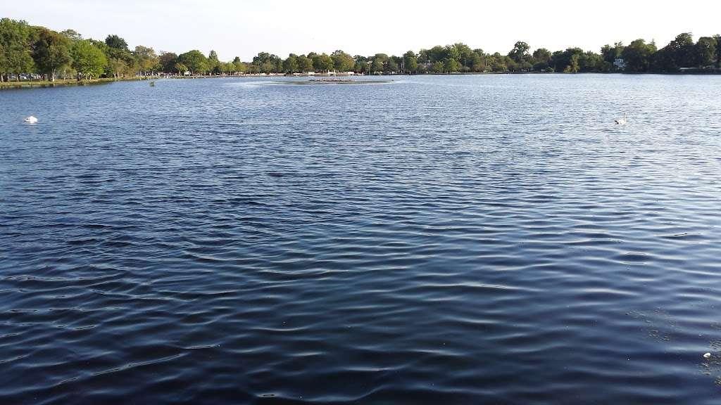 Babylon Village Dog Park (Argyle Lake) - park  | Photo 1 of 2 | Address: Trolley Line Rd, Babylon, NY 11702, USA | Phone: (631) 669-4878