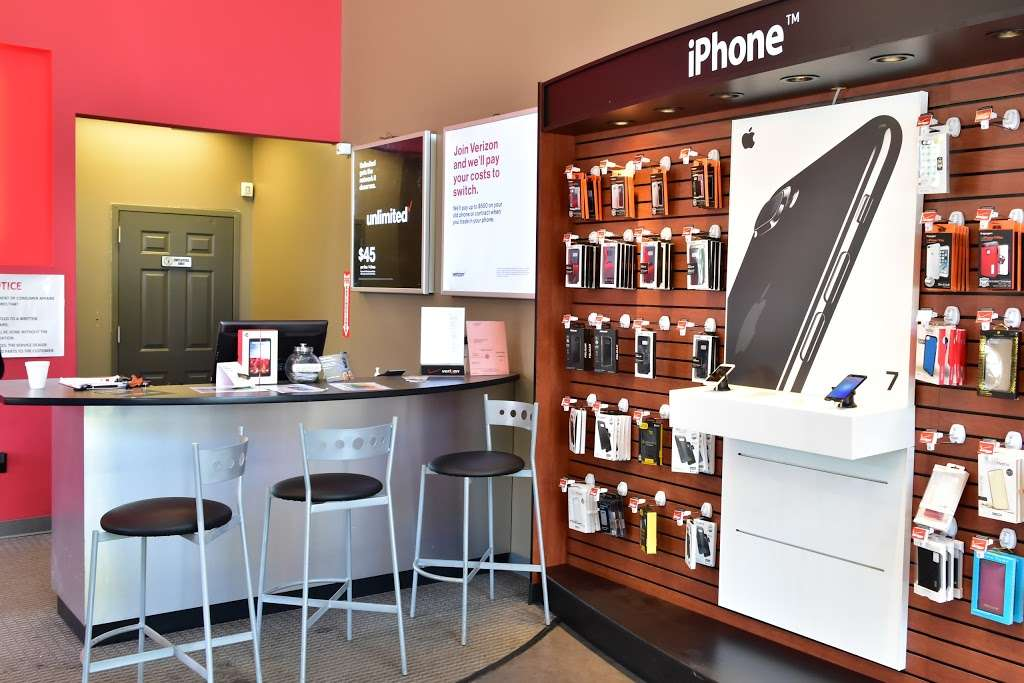 Verizon - store  | Photo 1 of 10 | Address: 30-02 30th Ave, Astoria, NY 11102, USA | Phone: (347) 924-9420
