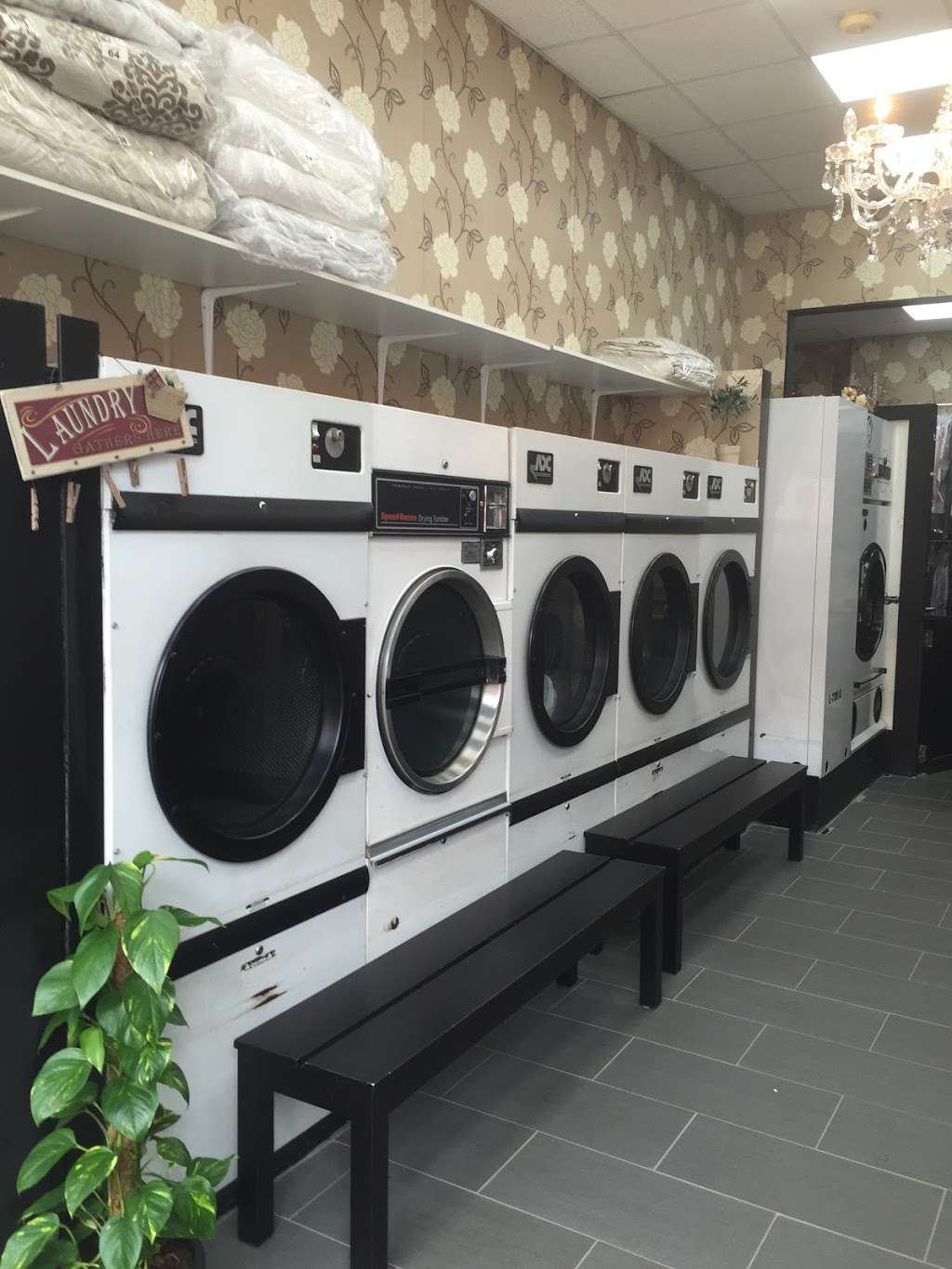 King Dry Cleaning & Laundrette - laundry  | Photo 10 of 10 | Address: 35 Church Rd, London NW4 4EB, UK | Phone: 020 8201 5050