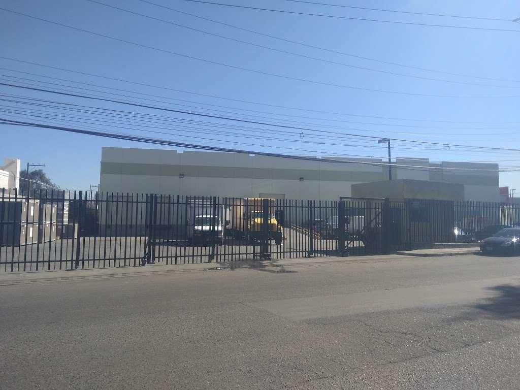 Ponce Distribuciones - storage  | Photo 1 of 7 | Address: Baños de Agua Caliente 3820, 20 de Noviembre, 22100 Tijuana, B.C., Mexico | Phone: 664 622 3046