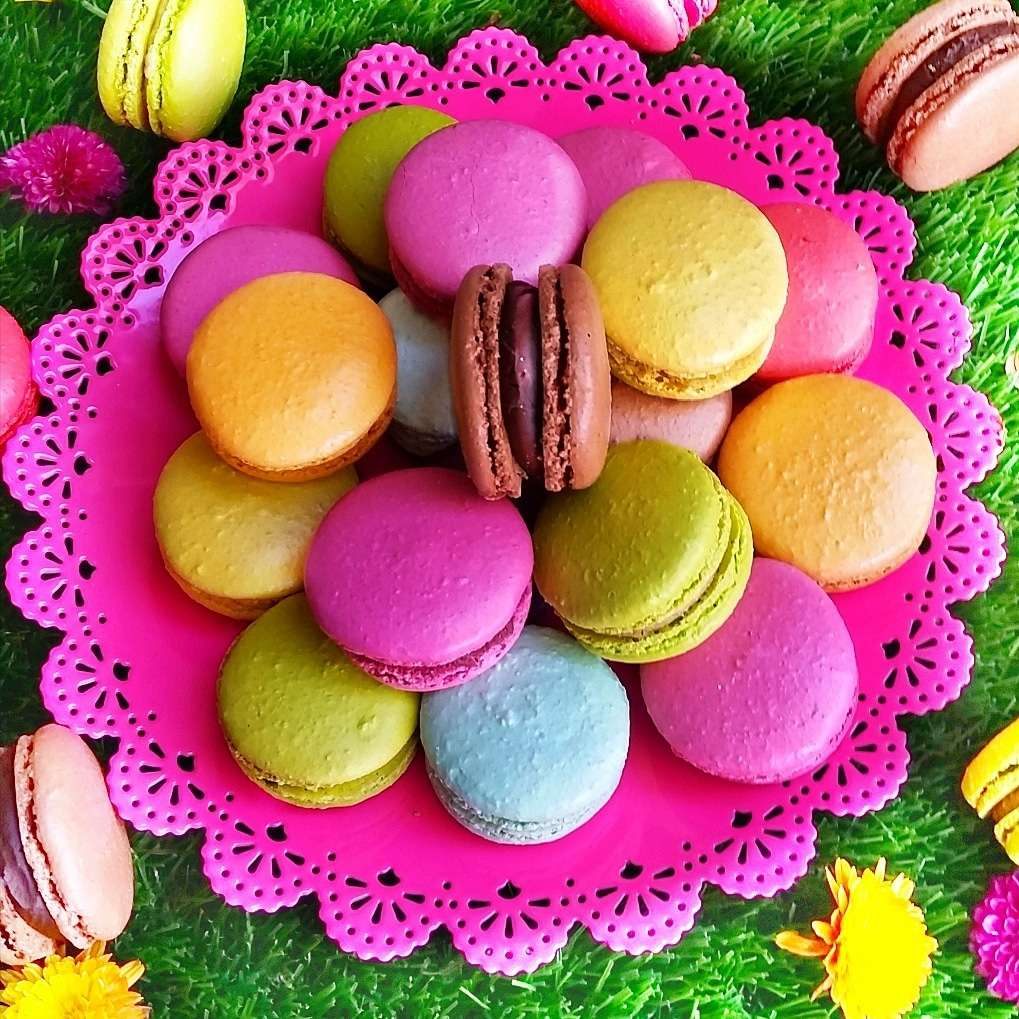 LeilaLove Macarons & French Patisserie - bakery    Photo 2 of 10   Address: 510 Higgins Rd, Park Ridge, IL 60068, USA