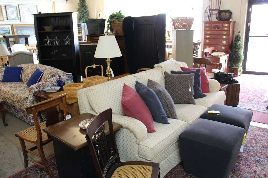 Harry's Fine Used Furniture & Accessories - furniture store  | Photo 3 of 10 | Address: 1910, 11 Graybill Rd, Leola, PA 17540, USA | Phone: (717) 656-2436