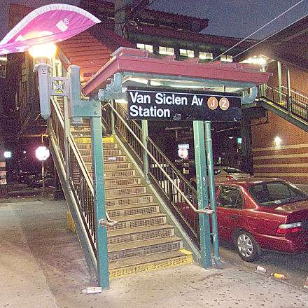 Van Siclen Av - subway station  | Photo 6 of 10 | Address: Brooklyn, NY 11207, USA