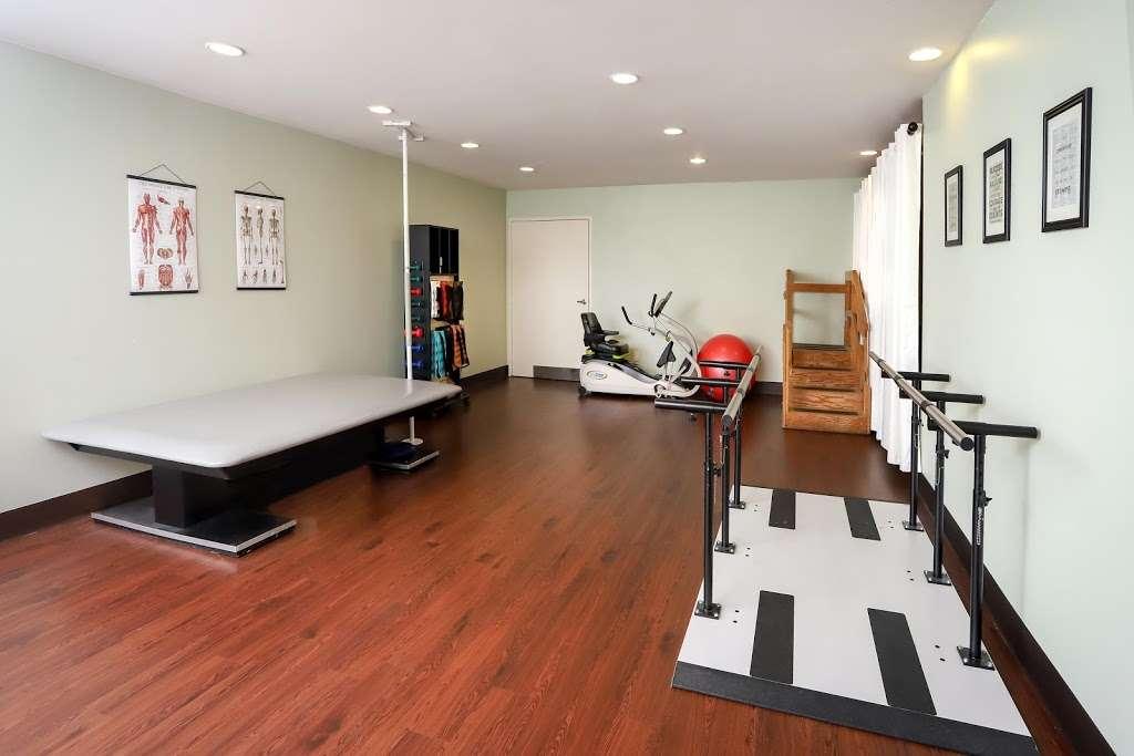 Golden Hill Subacute and Rehabilitation Center - health  | Photo 7 of 10 | Address: 1201 34th St, San Diego, CA 92102, USA | Phone: (619) 232-2946