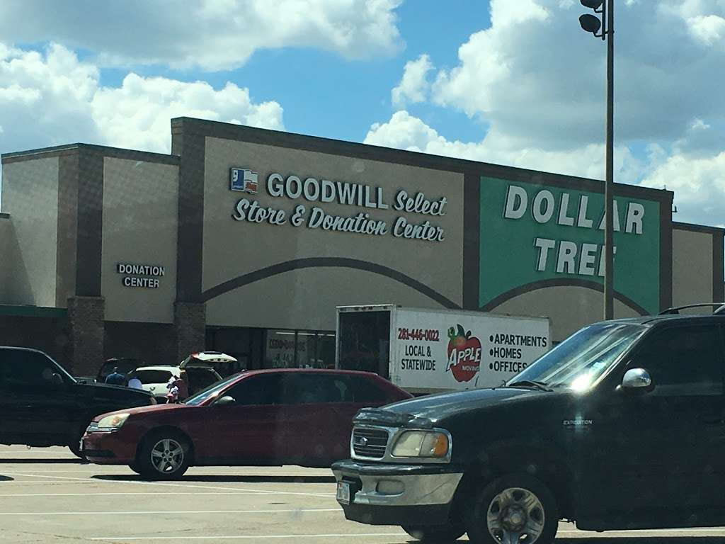 Goodwill Houston Select Stores - furniture store  | Photo 3 of 10 | Address: 7034 FM 1960 B, Humble, TX 77346, USA | Phone: (281) 359-5670