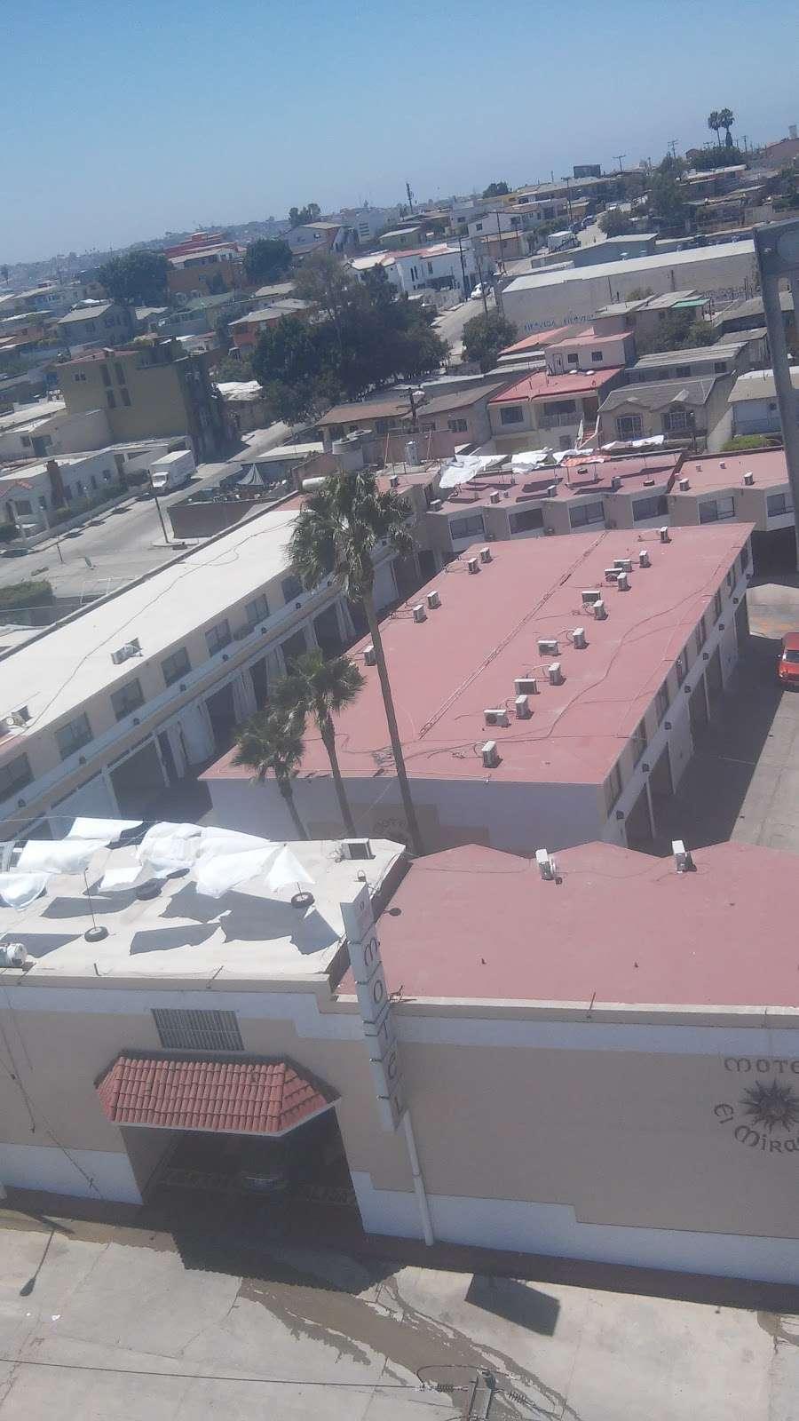 Motel El Mirador - lodging  | Photo 8 of 10 | Address: Gral. Ramón Arnaiz, Soler, 22530 Tijuana, B.C., Mexico | Phone: 664 166 2761