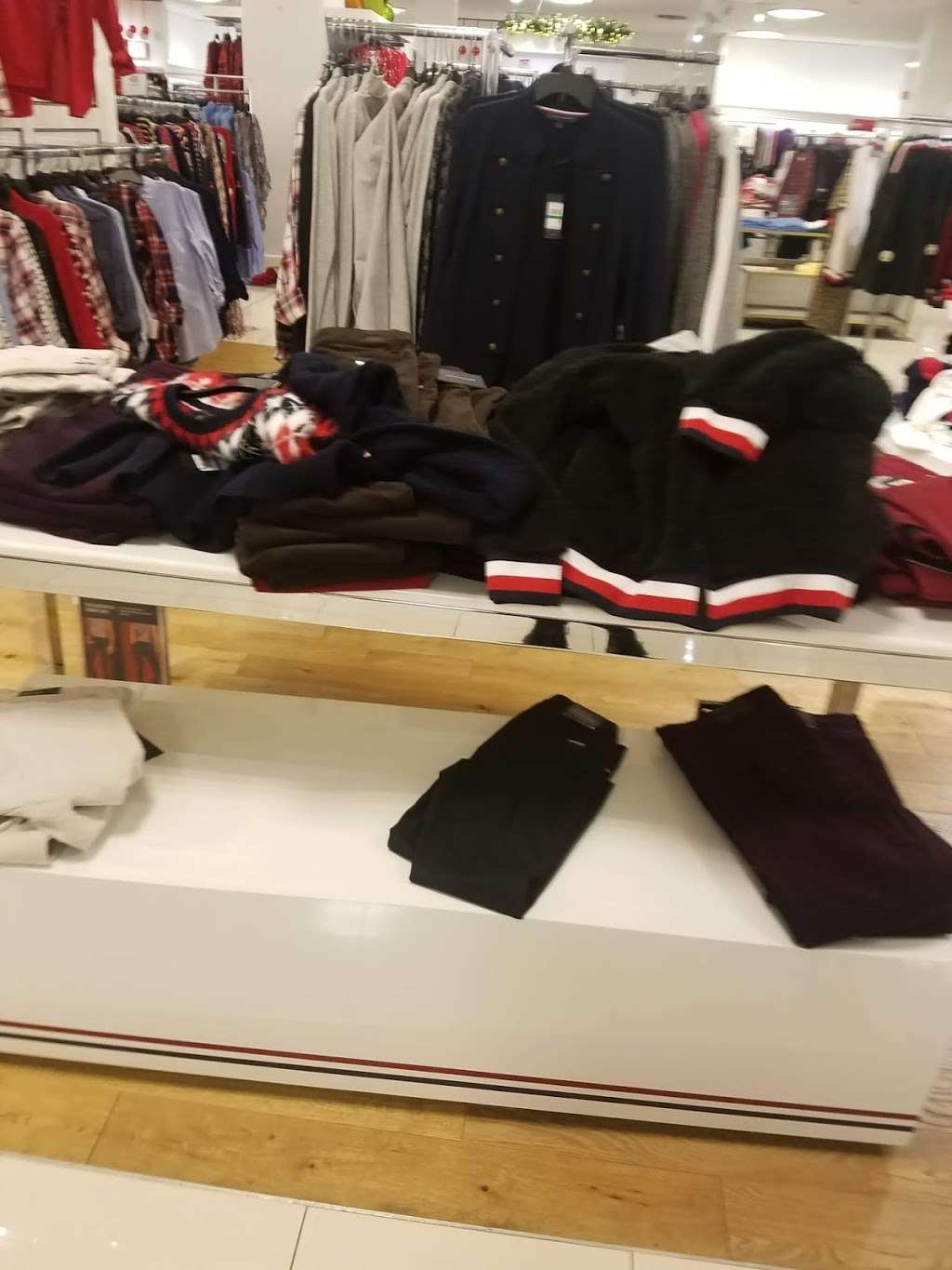 Macys Mens Store - clothing store  | Photo 9 of 9 | Address: 69 Green Acres Rd S, Valley Stream, NY 11581, USA | Phone: (516) 561-6100
