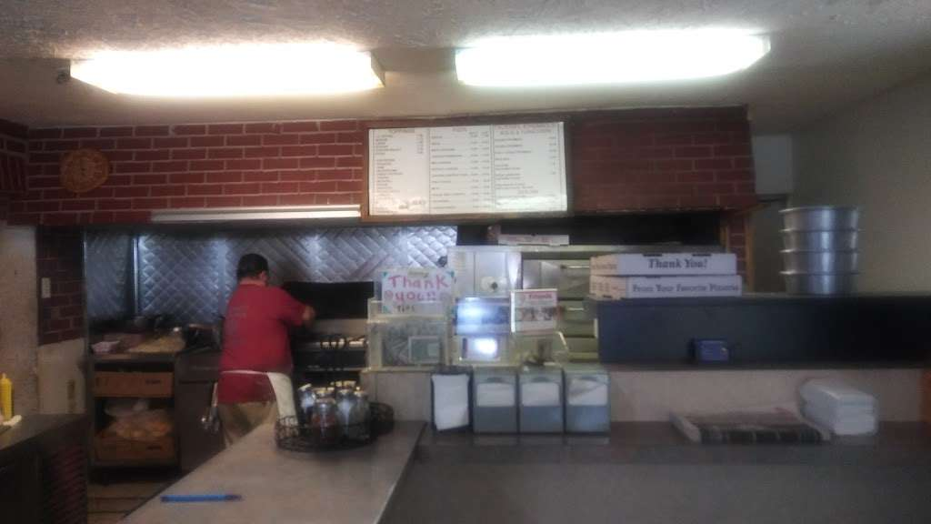 Pete & Johns Pizza Parlor - restaurant  | Photo 9 of 10 | Address: 50 Magnolia Rd, Pemberton, NJ 08068, USA | Phone: (609) 894-8073