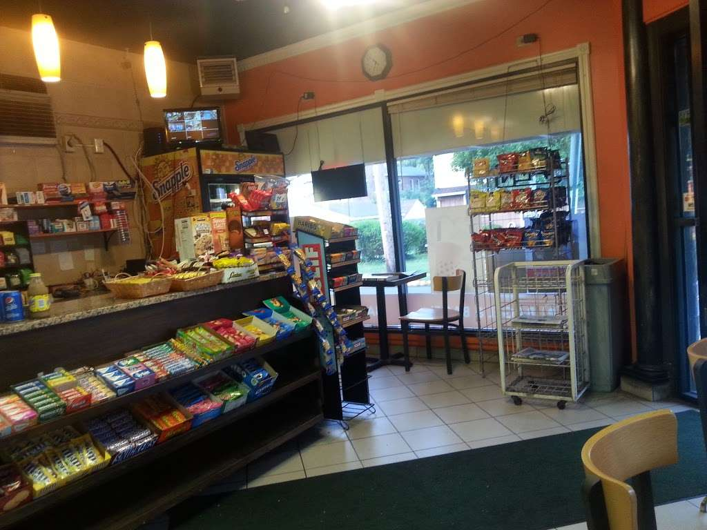 Bagel & Bagel - bakery  | Photo 1 of 9 | Address: 775 Edgewater Ave, Ridgefield, NJ 07657, USA | Phone: (201) 941-5626