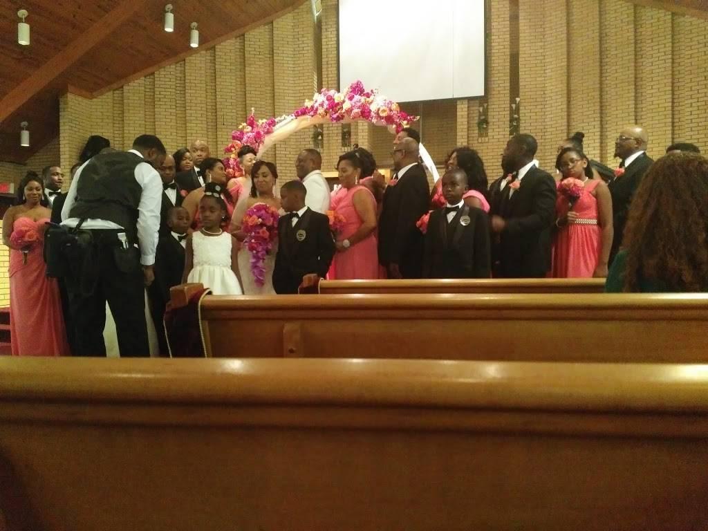 New Light Missionary Baptist Church - church  | Photo 5 of 9 | Address: 1105 Willow Rd, Greensboro, NC 27401, USA | Phone: (336) 273-5579
