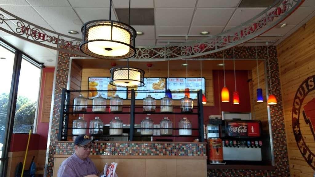 Popeyes Louisiana Kitchen - restaurant    Photo 3 of 10   Address: 509 N Hollywood Way, Burbank, CA 91505, USA   Phone: (818) 953-2831