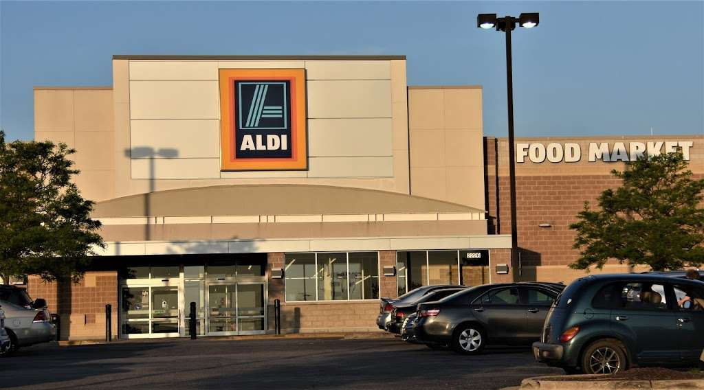 ALDI - supermarket  | Photo 2 of 10 | Address: 2226 N Richmond Rd, McHenry, IL 60051, USA | Phone: (855) 955-2534
