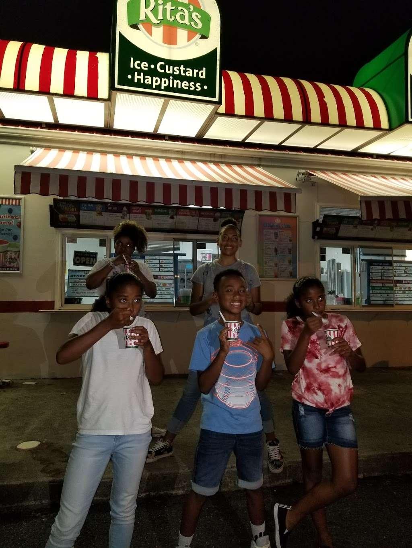 Ritas Italian Ice - store    Photo 4 of 10   Address: 50 River Rd, North Arlington, NJ 07031, USA   Phone: (201) 428-1356