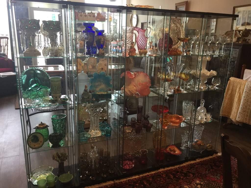 Michelles Antiques Inc. - home goods store    Photo 8 of 10   Address: 3710 Main St #104, Niagara Falls, ON L2G 6B1, Canada   Phone: (289) 296-0000