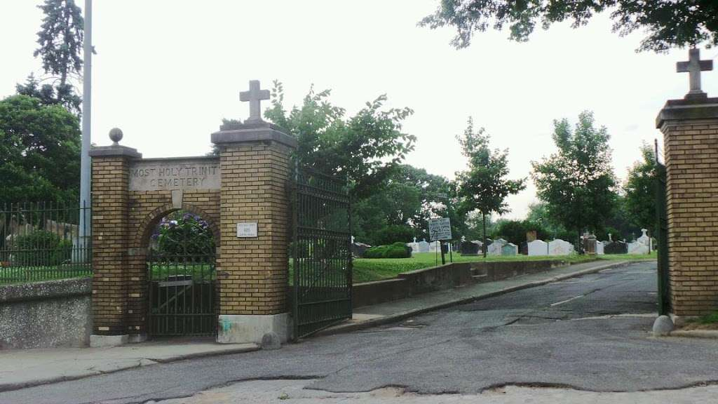 Most Holy Trinity Cemetery - cemetery  | Photo 2 of 2 | Address: 685 Central Ave, Brooklyn, NY 11207, USA | Phone: (718) 894-4888