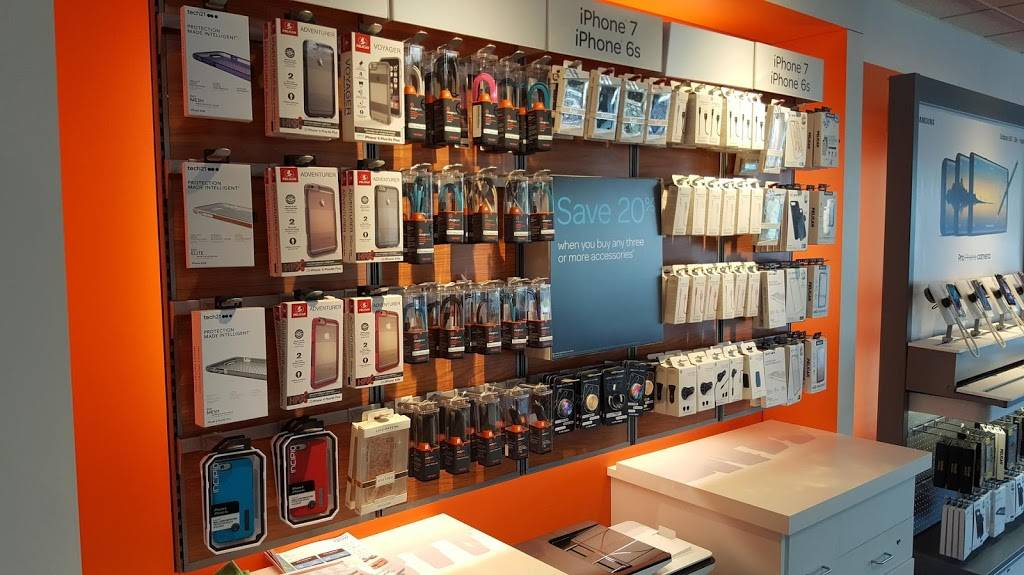 AT&T Store - electronics store  | Photo 3 of 10 | Address: 2820 Marconi Ave #3, Sacramento, CA 95821, USA | Phone: (916) 664-2869