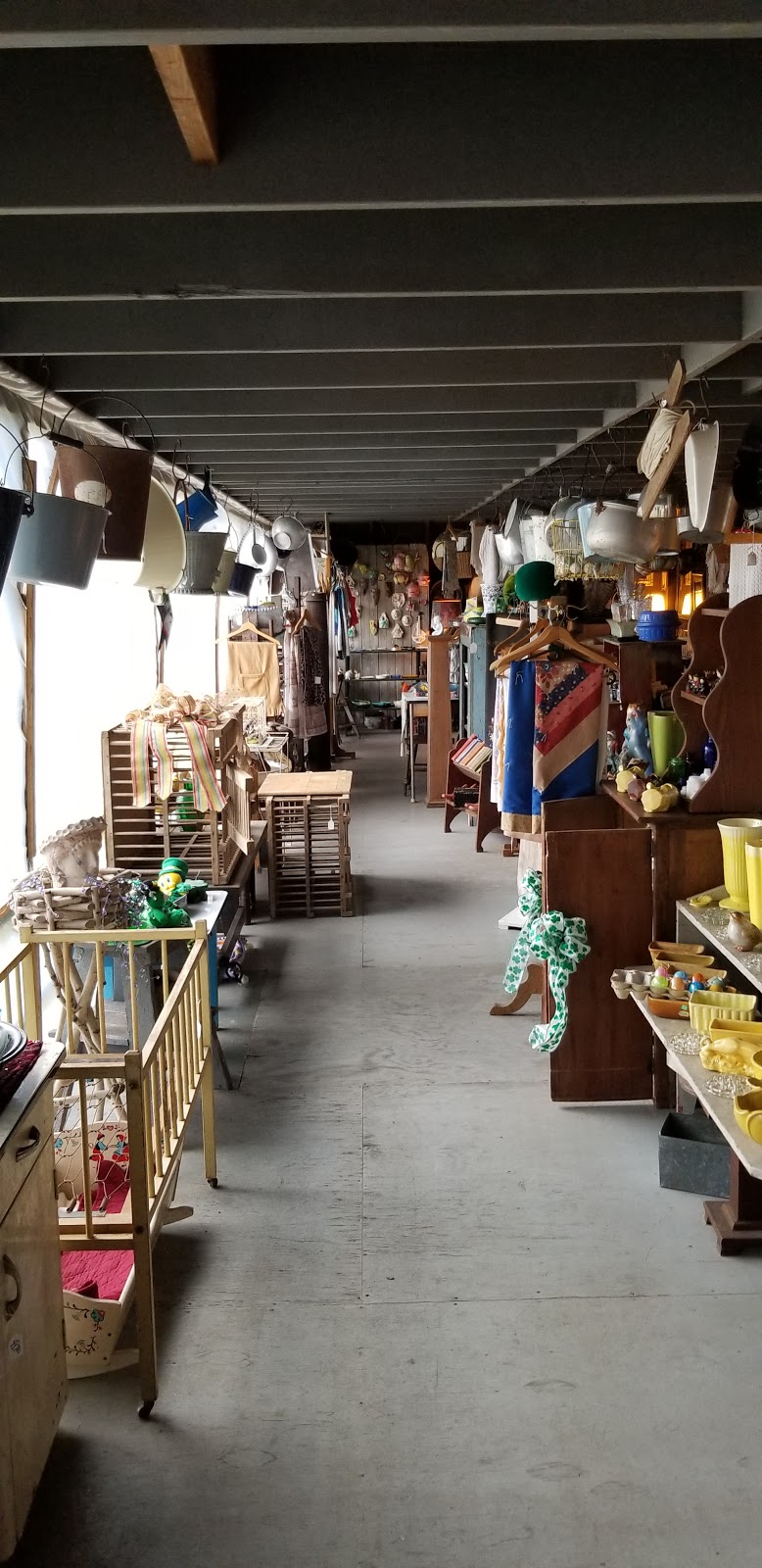 Antique Treasures - home goods store  | Photo 3 of 10 | Address: 55 Roadside Dr, Shartlesville, PA 19554, USA | Phone: (610) 488-1545