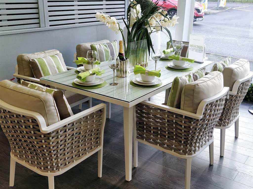Moda Outdoor Furniture - furniture store    Photo 2 of 10   Address: 22-28 Godstone Rd, Caterham CR3 6RA, UK   Phone: 01883 708635