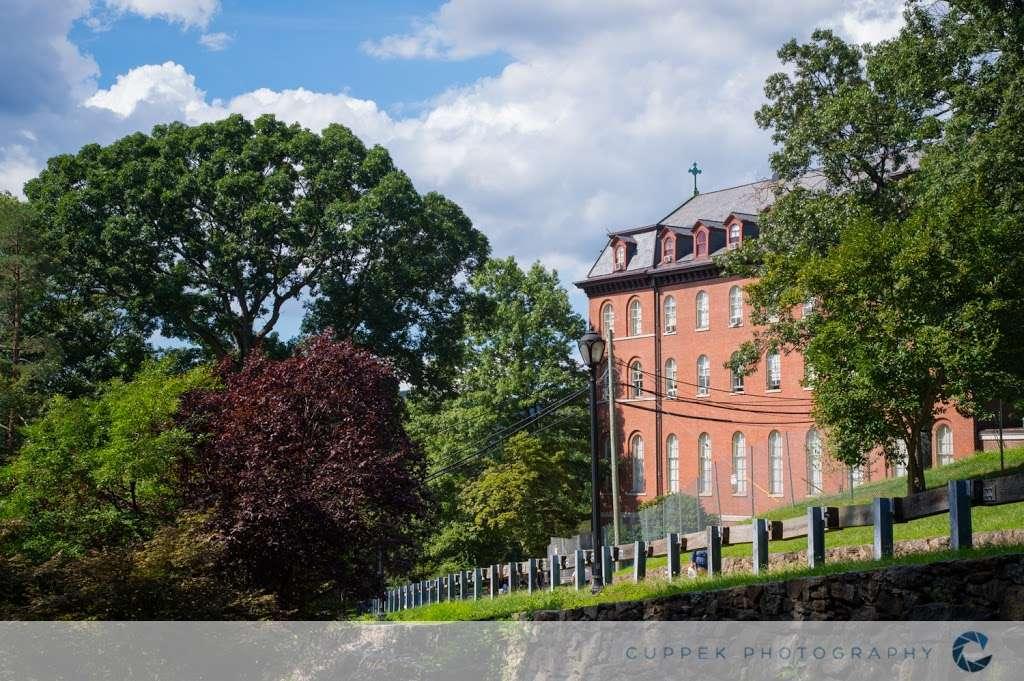 College of Mount Saint Vincent - university  | Photo 3 of 9 | Address: 6301 Riverdale Ave, The Bronx, NY 10471, USA | Phone: (718) 405-3200
