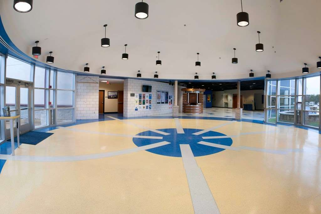 Highland School - school  | Photo 9 of 10 | Address: 597 Broadview Ave, Warrenton, VA 20186, USA | Phone: (540) 878-2700