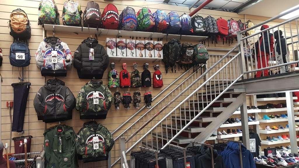 Dr Jays - clothing store  | Photo 2 of 10 | Address: 215 E Fordham Rd, The Bronx, NY 10458, USA | Phone: (718) 220-3354