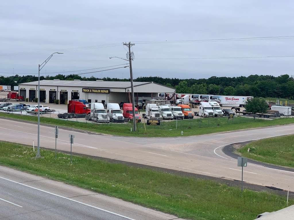 East Dallas Diesel Repair - parking  | Photo 7 of 8 | Address: 11801 C F Hawn Fwy, Dallas, TX 75253, USA | Phone: (972) 863-9000