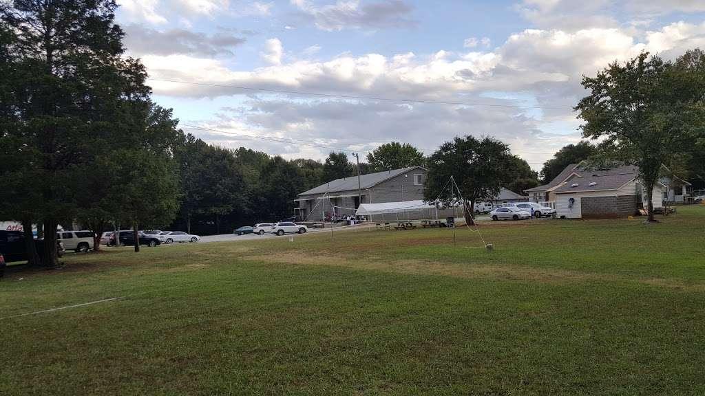 Iglesia La Luz Del Mundo - church  | Photo 10 of 10 | Address: 9645 Parkton Rd, Charlotte, NC 28215, USA