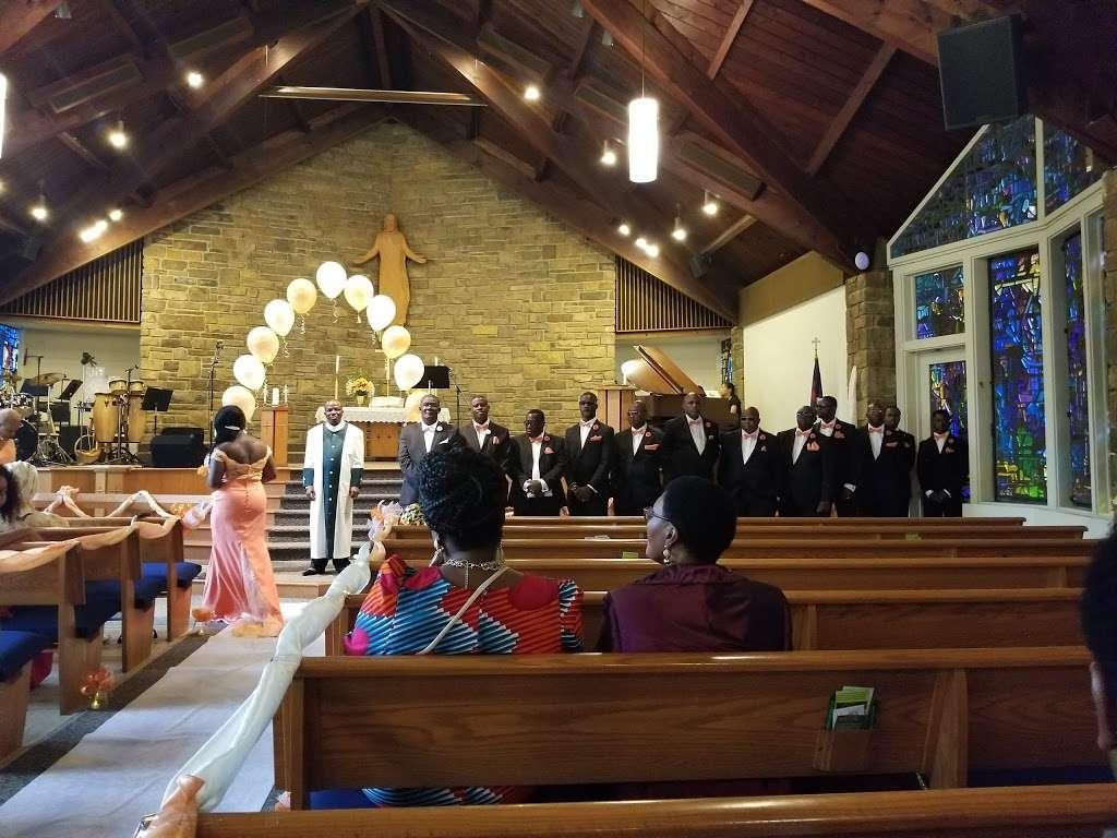 Gloria Dei Church - church  | Photo 2 of 10 | Address: 570 Welsh Rd, Huntingdon Valley, PA 19006, USA | Phone: (215) 947-8200