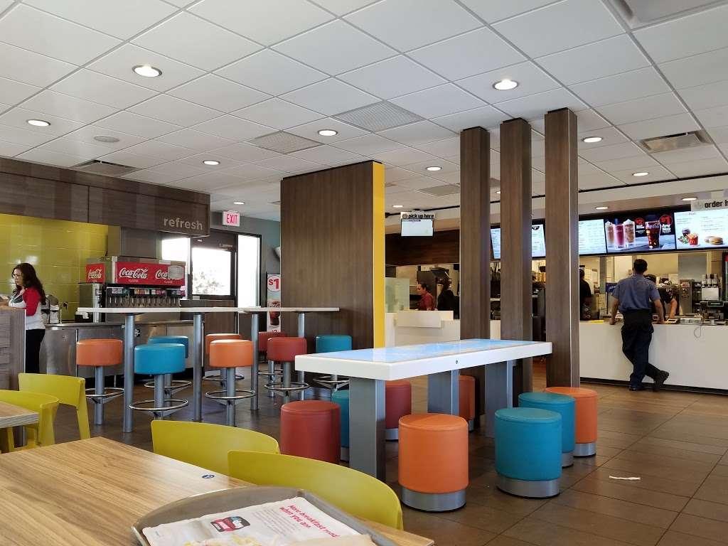 McDonalds - cafe  | Photo 2 of 10 | Address: 2463 S Euclid Ave, Ontario, CA 91761, USA | Phone: (909) 983-6303