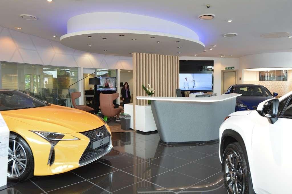 Lexus Croydon - car dealer  | Photo 5 of 10 | Address: 604 Purley Way, Croydon CR0 4RF, UK | Phone: 020 3733 8139