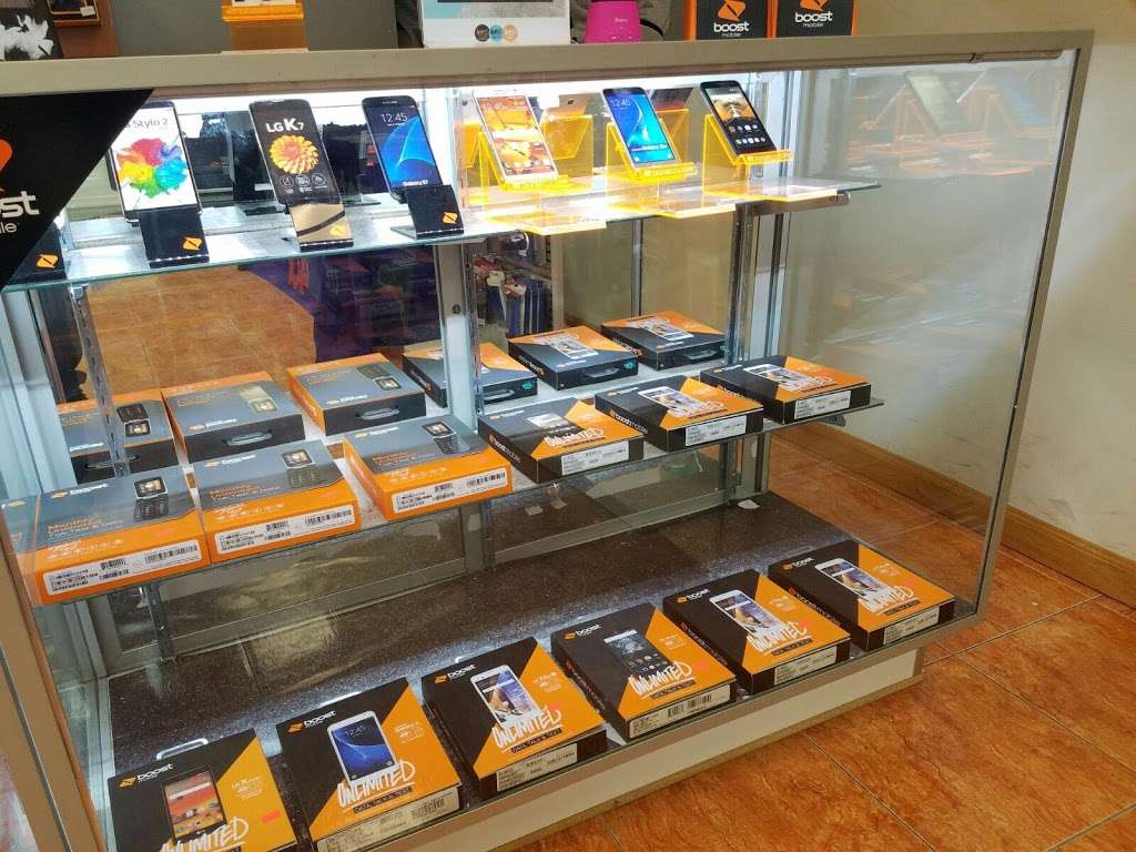 Smartphone Center - store  | Photo 8 of 10 | Address: 7 Walker St, Staten Island, NY 10302, USA | Phone: (718) 720-1917