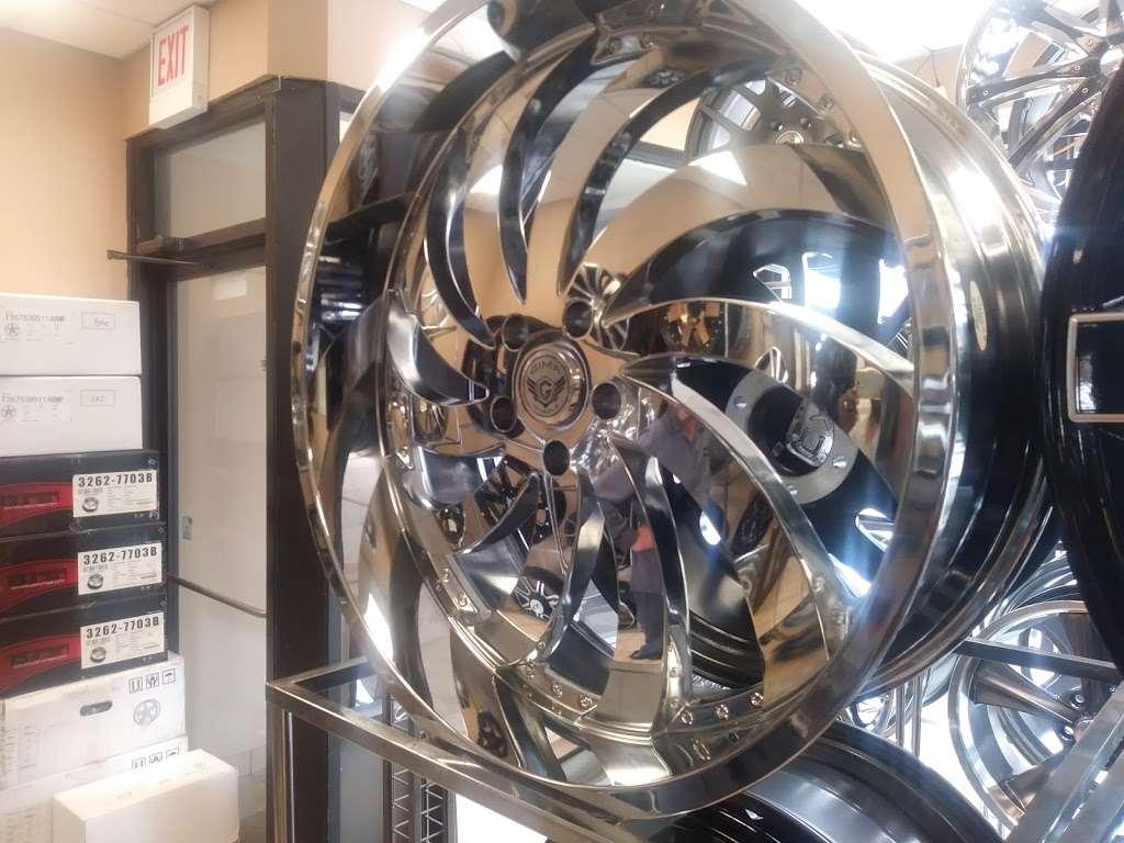 Garcias Tire Shop >> Tenorio Tire Shop - Car repair | 2548 W 63rd St, Chicago, IL 60629, USA