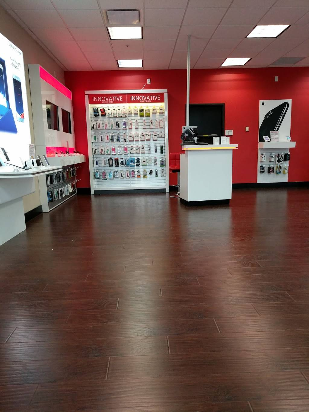 Verizon Authorized Retailer - Russell Cellular - electronics store    Photo 10 of 10   Address: 410 Town, Center, Garland, TX 75040, USA   Phone: (972) 496-7700