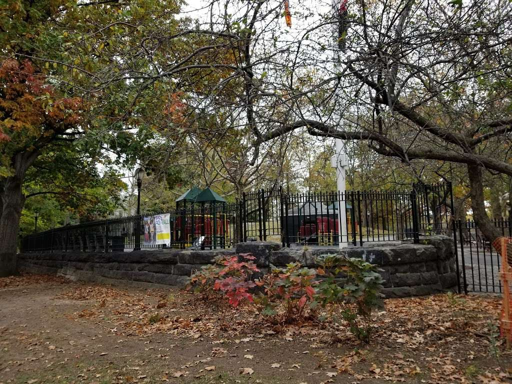 Fort Independence Playground - park  | Photo 3 of 10 | Address: Sedgwick Ave. &, W 238th St, The Bronx, NY 10463, USA | Phone: (212) 639-9675