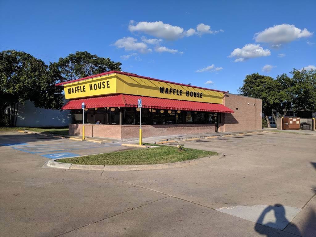 Waffle House - meal takeaway  | Photo 1 of 10 | Address: 120 W Spring Valley Rd, Richardson, TX 75081, USA | Phone: (972) 231-4802