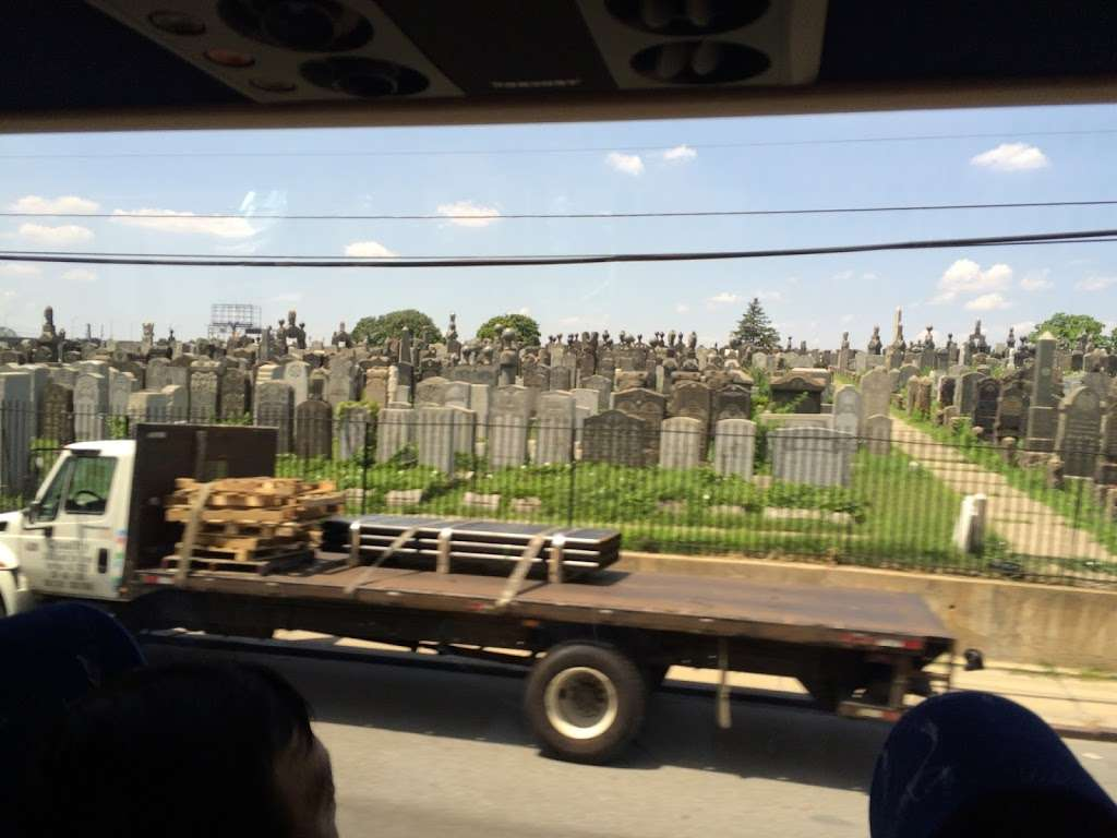 Bnal Jeshurum and Shearith Israel Cemetery - cemetery    Photo 2 of 4   Address: Brooklyn, NY 11208, USA